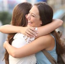 ruptura de pareja en barcelona, abrazo